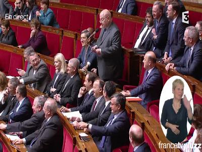 André Santini interroge le gouvernement sur le non-cumul